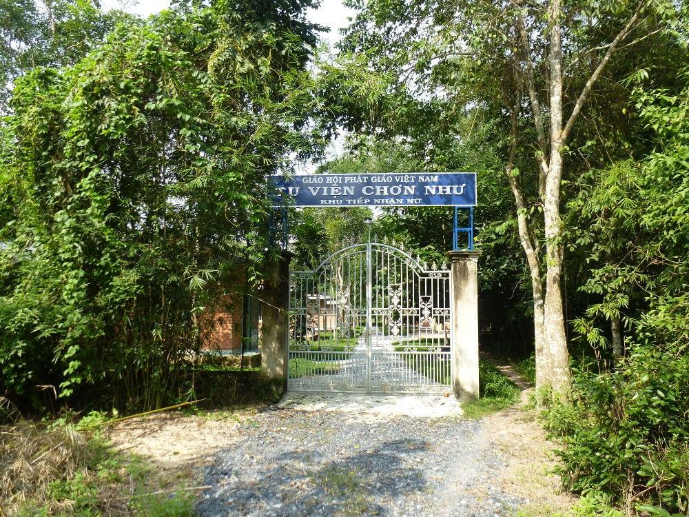 Anh 9-Cong khu Tiep nhan Nu